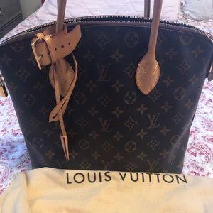 Louis Vuitton Lock it MM